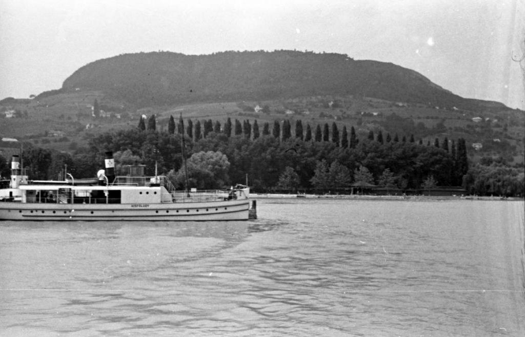 1955 Badacsony, Kisfaludy Gőzhajó, fotó © Baráth Endre