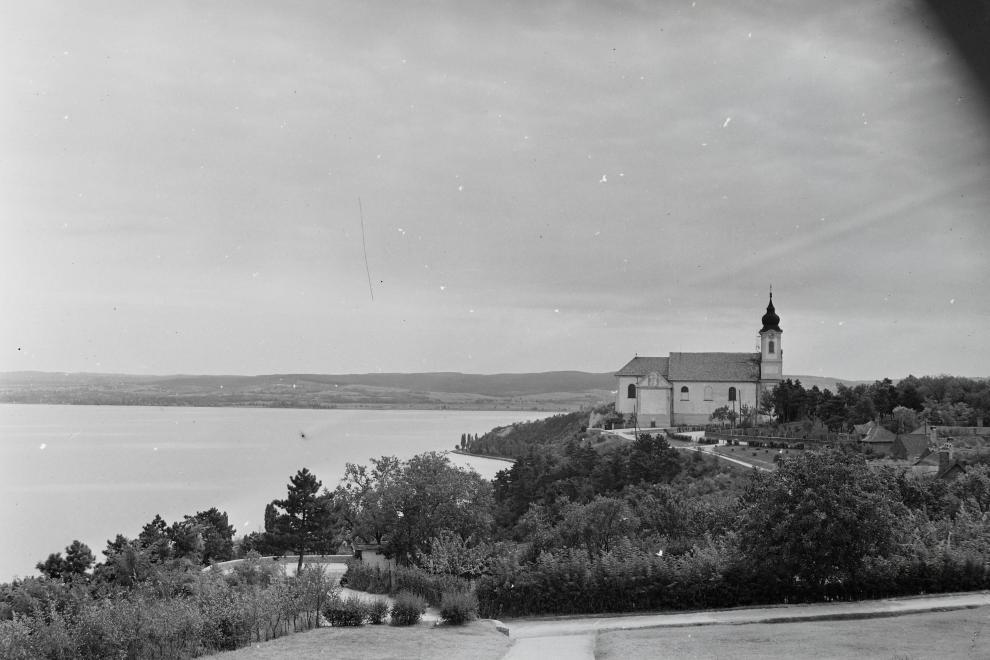 1947 Tihany, Bencés Apátság, Kilátás a Balatonra, fotó © Kotnyek Antal