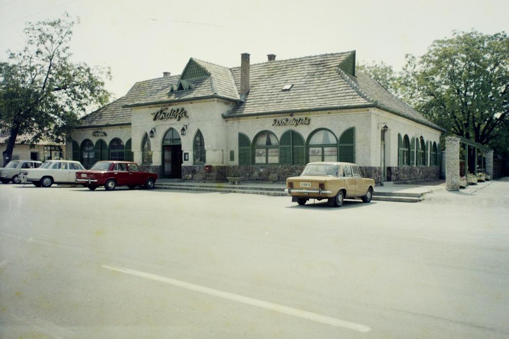 1972 Balatonszárszó, Véndiófa étterem, fotó © Bauer Sándor