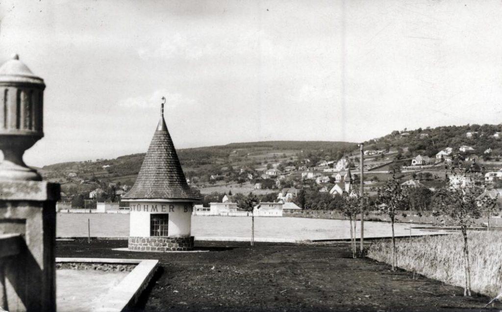 1930 Balatonalmádi, Szent Imre-templom, fotó © Fortepan