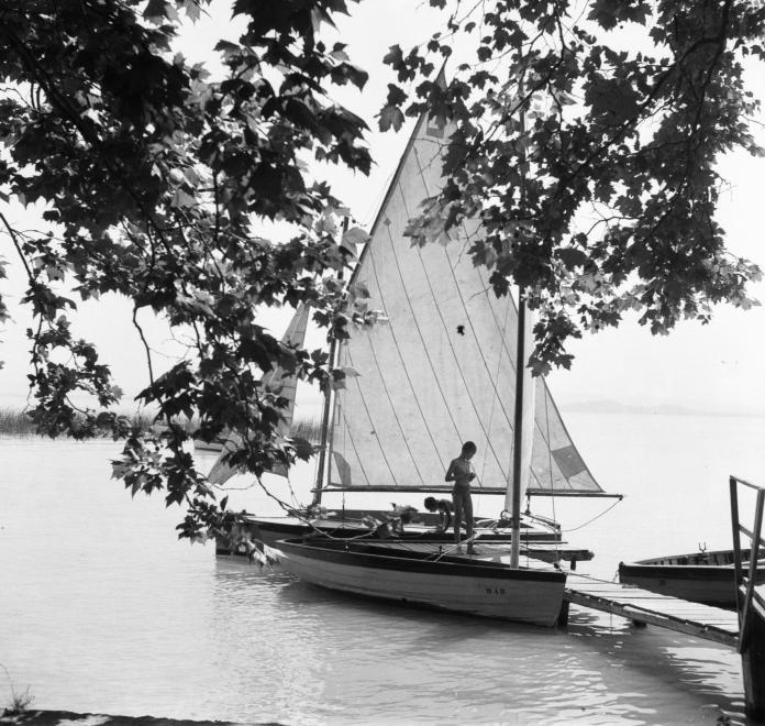 1940 Révfülöp, Vitorláshajó, fotó © Góg Emese
