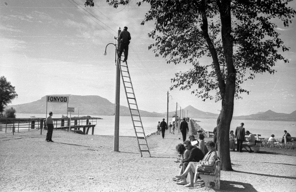 1958 Fonyód, Kikötő, Hajóállomás, Szemben Badacsony, fotó © Répay András