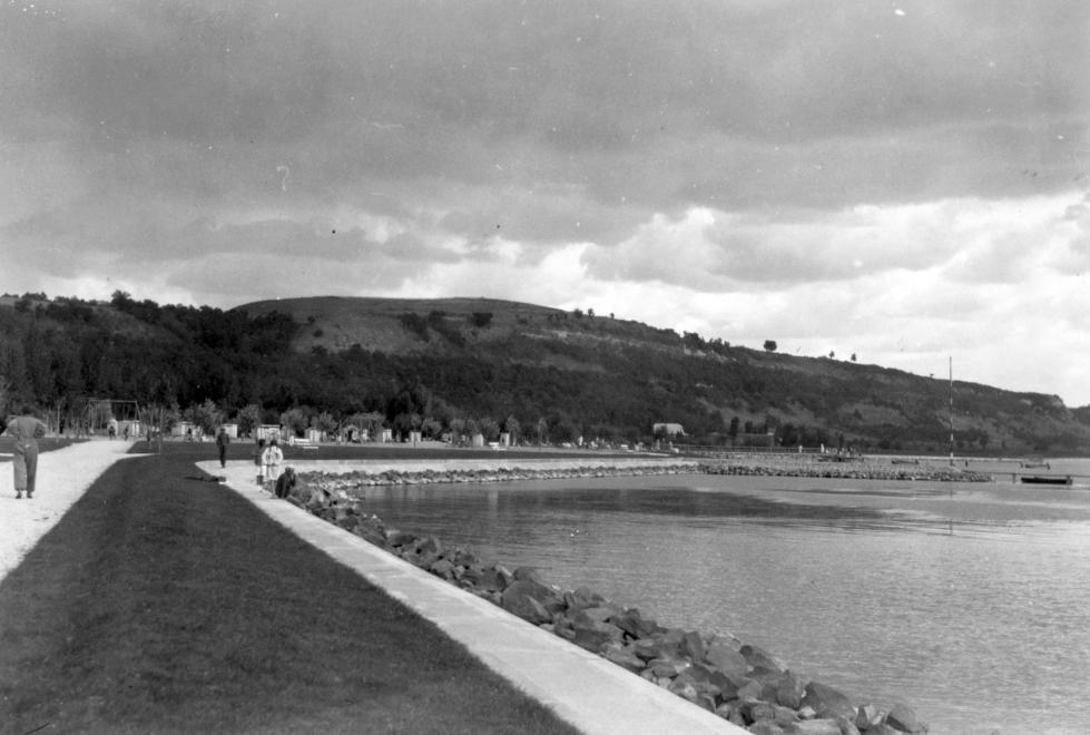 1933 Balatonkenese, Székesfővárosi Tisztviselők Üdülőtelepe, később Honvéd-üdülő, fotó © Somlai Tibor