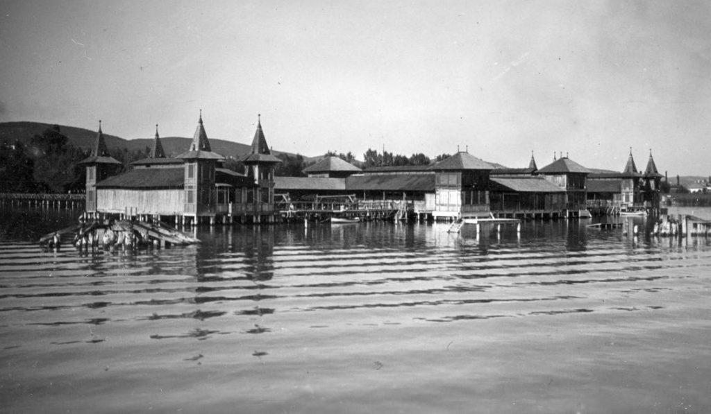 1935 Balatonfüred, Fürdőház, fotó © Ted Grauthoff