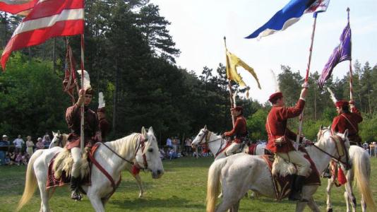 gyenesdias-tavaszvaro-rugyfakadas-festival-balaton-csodalatosbalaton.hu